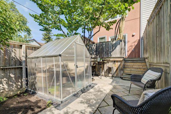 House_Backyard_2