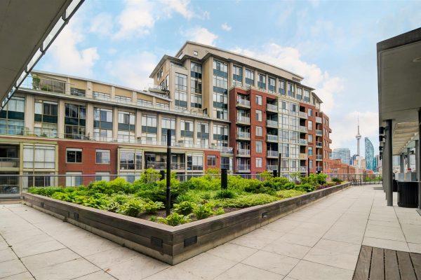 32-Building_Rooftop_Terrace-1