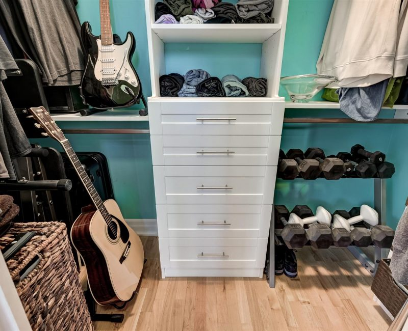 24-Bedroom_Master_Closet-1