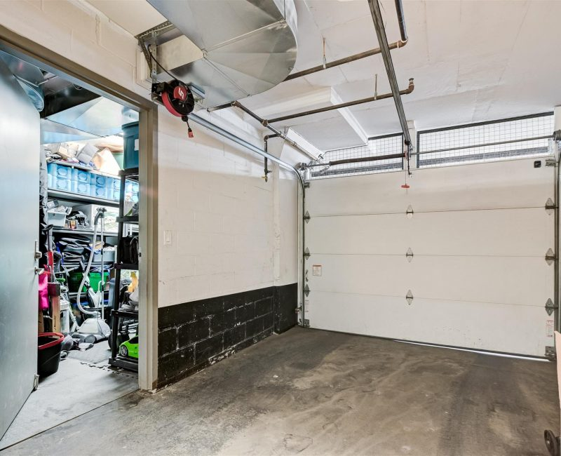 28-Garage-1