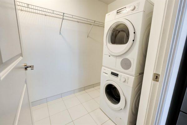 31-LaundryRoom-1